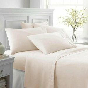Bedding - Ultra soft sheet set. Size king. 6 piece.